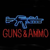 Guns And Ammo Neonskylt
